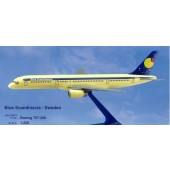 Long Prosper - 1/200 - Boeing 757 200 - Blue Scandinavia - 2075717