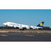 Dragon - 1/400 - Boeing 747 200F - Lufthansa CARGO AFRICA - 55075