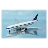 Dragon - 1/400 - Boeing 777 200 - Delta Air Lines 1999 cs - 55237