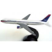 Schabak - 1/500 -  Boeing 767 300 - Delta Air Lines nc - 82721n